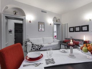 780 m from the center of Milan with Internet, Air conditioning, Lift, Washing ma