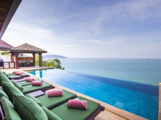 Baan Talay Sai Villa, Awesome Sea Views 350m to Idyllic Beach at Tongson Bay