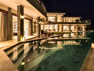 Stunning Clifftop Luxury 3 Bedroom Villa, Candidasa'