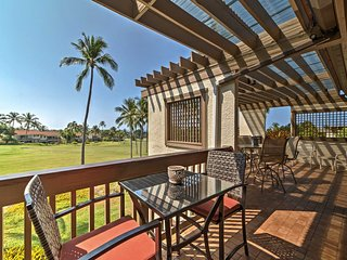 Kona Resort Condo w/ Ocean Views on Golf Course!