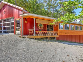 NEW-Outcast Inn Studio Cabin-Fly Fish the Ozarks!