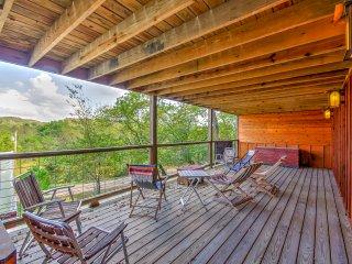 NEW! Outcast Inn Studio Cabin by Ozark Fly Fishing