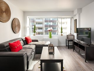 New Luxurious 2 Bedroom Condo Downtown Montreal