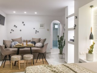 Exclusive Queen Studio in Naxos town