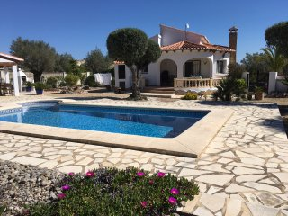 PRETTY TWO BED VILLA WITH POOL EASY WALK TO VILLAGE