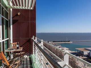 RENT4REST LISBON EXPO APARTMENT 17TH FLOOR RIVER VIEW