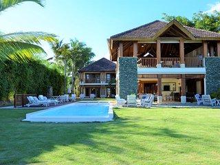 Casa de Campo La Marina Villa