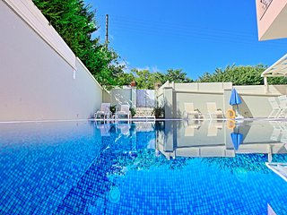 Doctors House: Modern villa with private pool close to Kassiopi centre