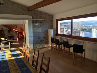 Very spacious 5 Bedroom apartment sleeps 12 in the stunning village of Roquebrun