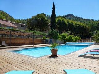 La Parette, A gite in Provence