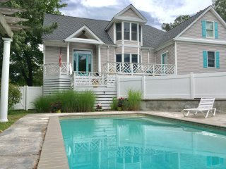 WATERFRONT BEAUTY /w POOL/Kayak/Bike -3 Masters Walk 2  Private Beach Sleeps 16+