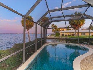 Longboat Key: Dolphins & Sunsets