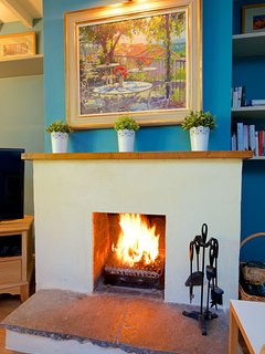 Open fire in sitting room.