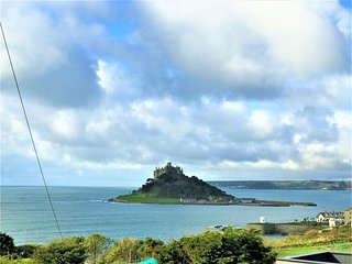 Sunnyside, traditional cottage with beautiful views of St Michael's Mount.
