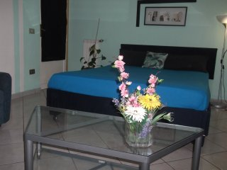TERMINI STATION: DELUXE  2 BEDROOM CONDO; GTREAT VALUE:!!!