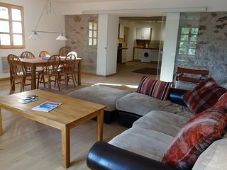Three bedroom spacious apartment in the stunning village of Roquebrun