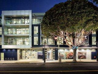 Chelsea Santa Monica - Luxury Coastal Living