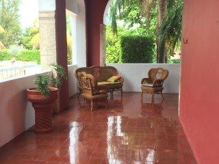 Hacienda Kaua, spacious colonial home in Merida