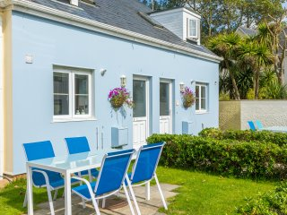 Wonderful two-bed cottage near to bays and cliff walks (Sunday arrivals)