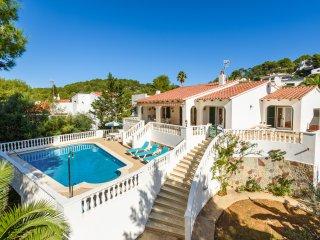B11 Villa with see views