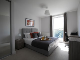 Cygnet House Kennet Island Serviced Apartment by Ferndale