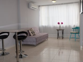 Cute one bedroom in El Penon with A/C, WiFi and hot water.