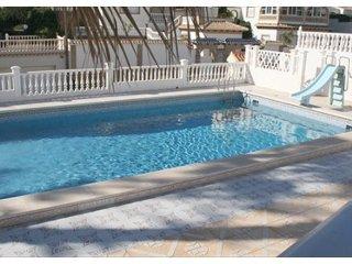 Villa 5 dormitorios 1a linea playa Flamenca