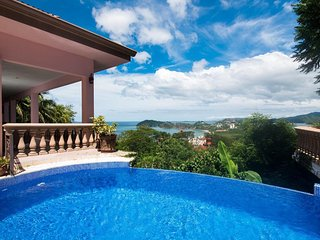 Casa de los Pajaros- Luxury 3 Bedroom Ocean View Home