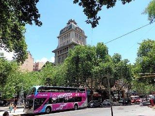 Pleno centro en Mendoza, Argentina. Recien  remodelado,depto pequeno.