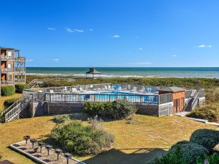 Condo w/Great Location, Beach Access & Ocean Views
