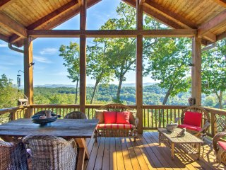 Bryson City Condo w/Large Deck & Mountain Views!