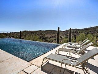 Tucson Home w/Infinity Pool - Overlooking Saguaro!