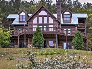NEW! 4BR Ellijay Cabin w/Breathtaking Mtn Views