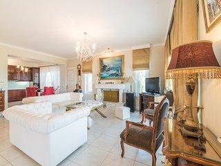 Mont Renie Elegant Villa