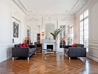 Apartment Elegance holiday vacation large apartment rental france, paris, republ