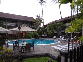 Kona Islander Inn Rose's Hideaway(walk all over Kailua-Kona)