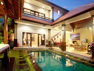 BEACHSIDE EXTRA SPACIOUS CONCETTA VILLA SEMINYAK 2BR 7BED  8 PEOPLE