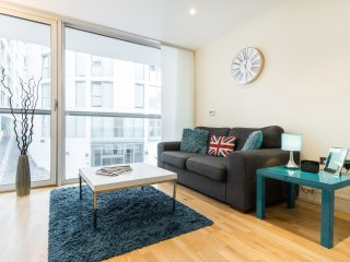 10 Mins to Central London Modern Apartment