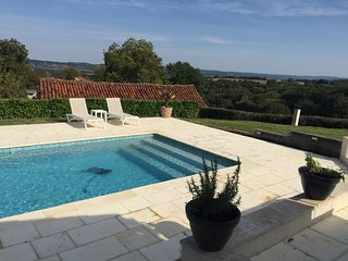 Holiday home rental - Monfaucon with Swimming Pool