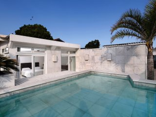 Rio044-Large 4 bedroom penthouse with private pool in Ipanema next to Arpoador