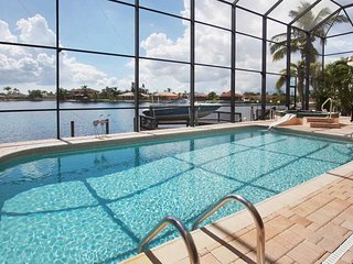 SWFL Rentals - Villa Claire - 2 Story Gulf Access Pool Home Sleeps 6