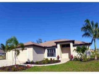 Waterfront BRAND NEW-BUILT 2015 HOME .4 b.2 b.pool/spa/dock, Cape Coral