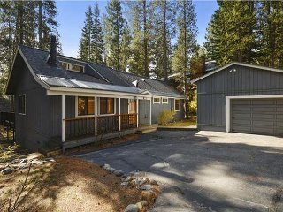Murphy's 3 Bedroom 2 Bath Home in Lower Tahoe Donner