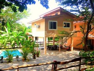 La isla que no hay:casa Mono con piscina,zona relax e vicina al centro