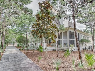 Upscale beach house with shared pool, patio, gas grill, and fireplace!