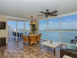 Stunning 12th Floor Views! Luxuriously Appointed Condo! Lovely Pool & Hot Tub, F