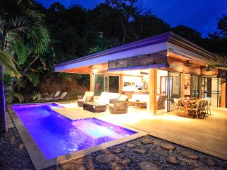 VILLA GUANACASTE:PRIVATE LUXURY VILLA W/POOL few steps away from the near beach