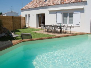 La Braie No1 - Coastal villa with heated pool, close to beach and amenities