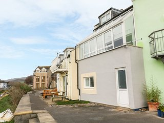 HARBOURSIDE HOUSE, open plan, views, pet friendly, three floors, in Millom