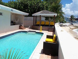 SUNSHINE VILLA... Huge, affordable beachfront villa, full AC, walk to restaurant